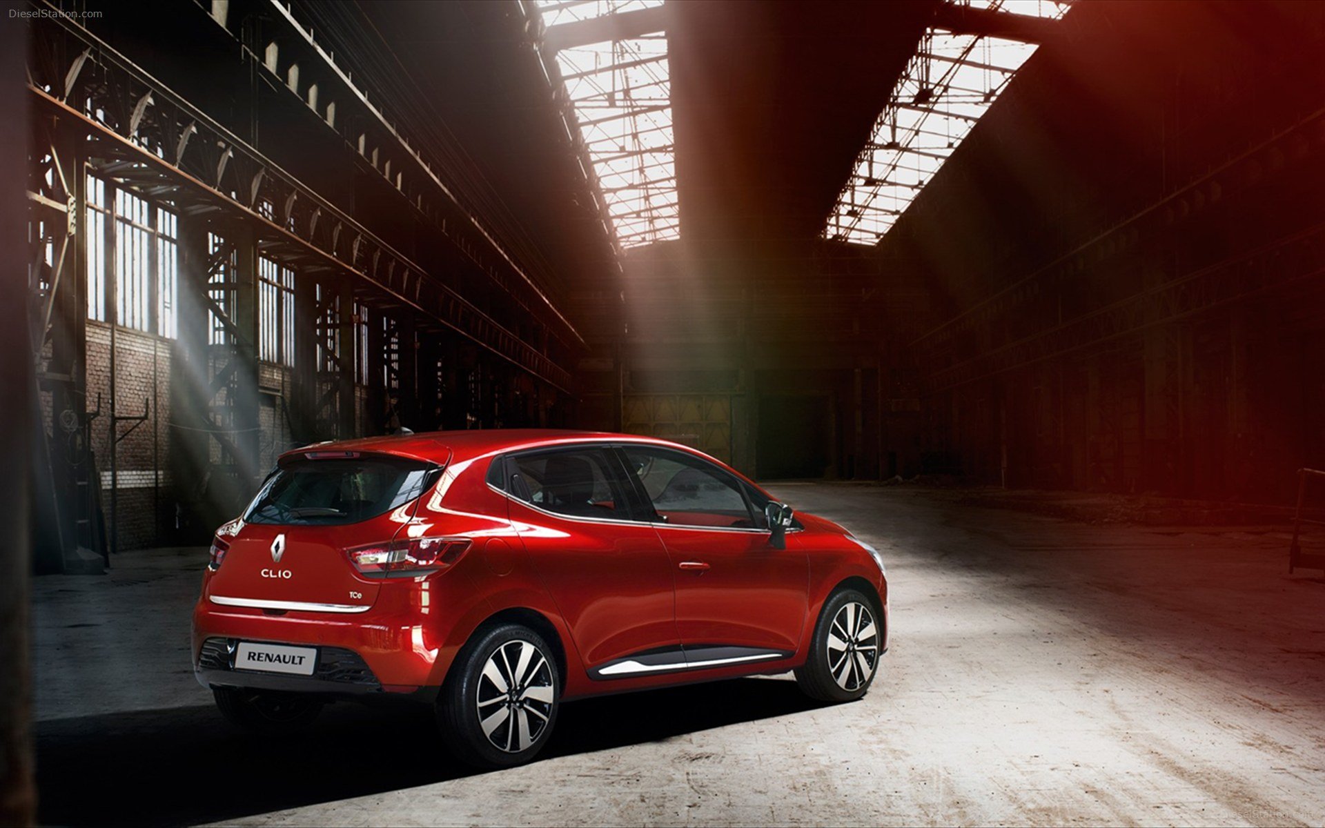 Renault-Clio-2013-images-widescreen-17.jpg